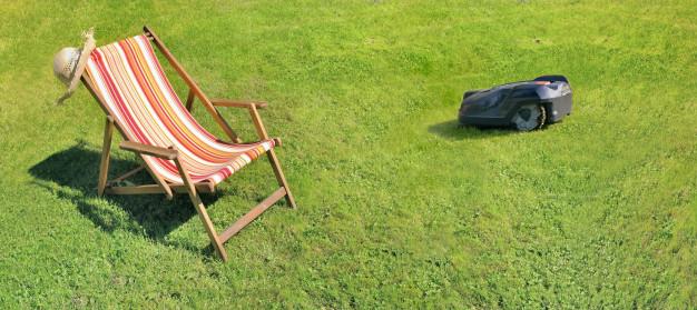 Nyd sommeren med en robotplæneklipper