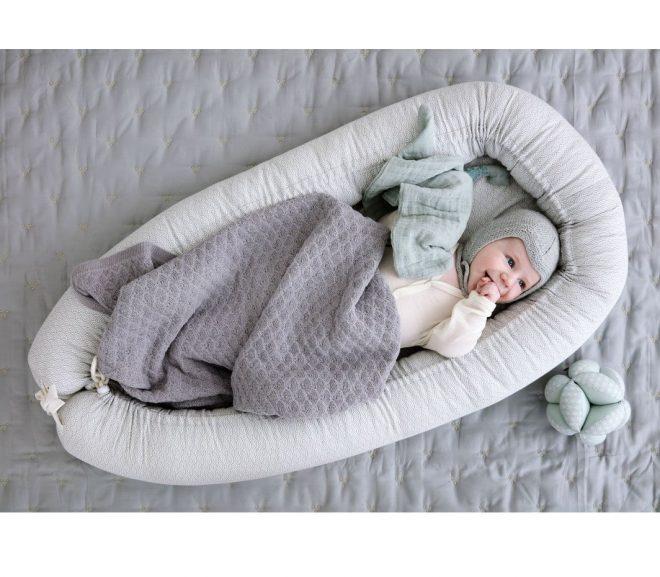 Giv din baby et trygt sted med en babynest